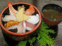 海鮮にぎり+味噌汁