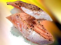 トロサーモン藻塩コショウ炙り
